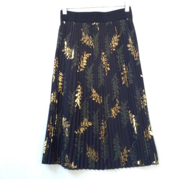 LuLaRoe Pleated Black Metallic GOLD Leaves Skirt Women's Size XS Casual Flowy